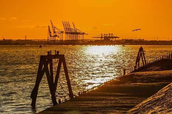 Atardecer en el puerto de Southampton