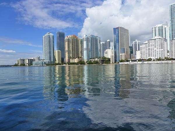 Navegando hacia Miami