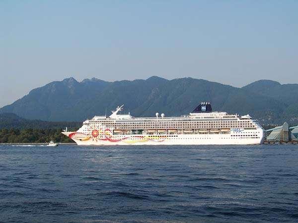 Norwegian Cruise Line Barco