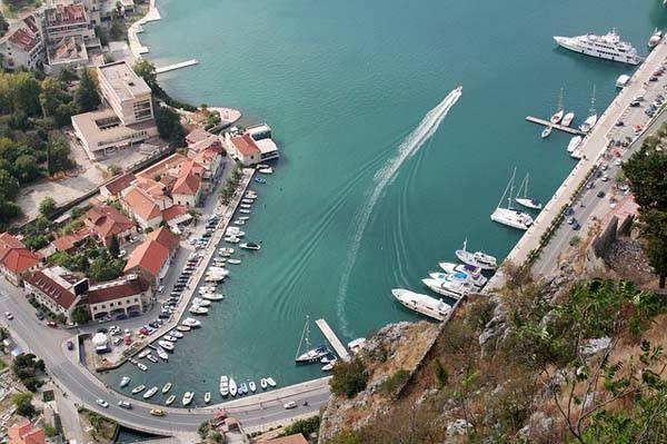 Puerto de Kotor en Montenegro