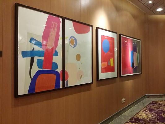 Muestra de Arte Contemporáneo en el interior del Brilliance of the Seas