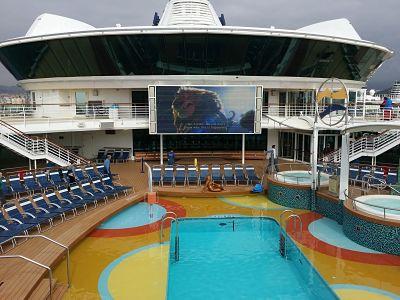 Piscina exterior del Brilliance of the Seas