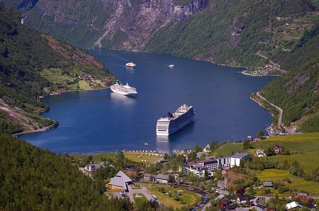 Cruceros destacados por los Fiordos del Norte