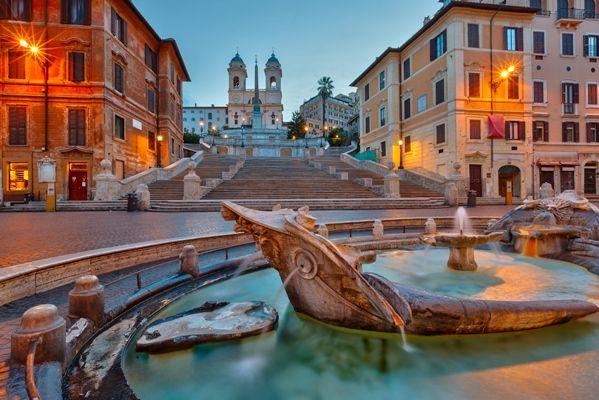 Plaza de España en Roma al atardecer