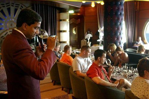 Animacion a bordo cata de vinos