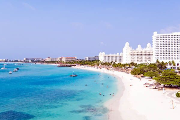 Playa de Palm Beach en Aruba