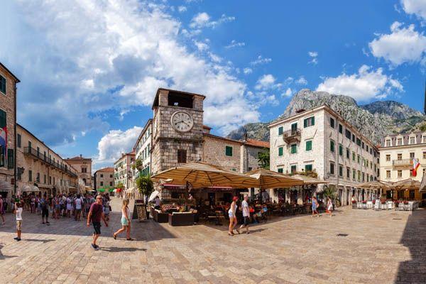 Plaza de Armas en Kotor