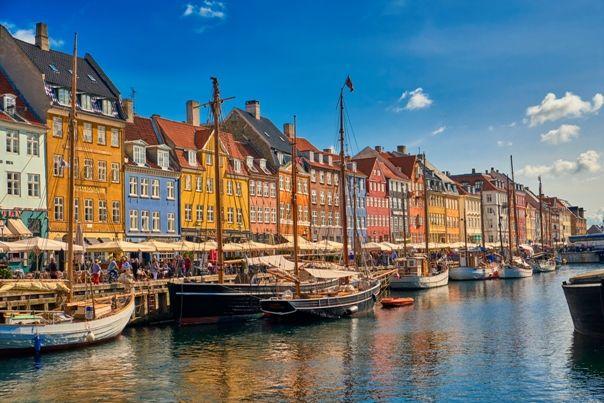 Puerto de Nyhavn Copenhague