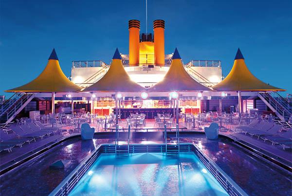 piscina del Costa Deliziosa