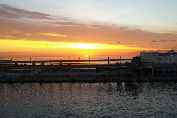 Atardecer crucero 5 maravillas del Mediterráneo Pullmantur