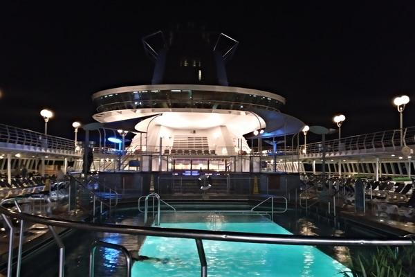 Piscina Crucero Sovereign