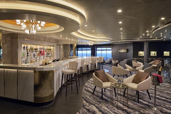Champagne bar Norwegian Spirit